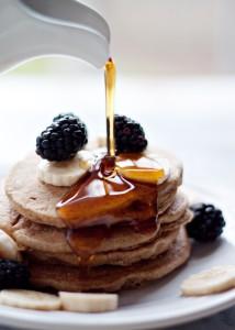 gluten-free-vegan-banana-blender-pancakes5-700x980